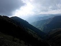 【装备清单】妞儿的茶山3日重装穿越 风中有朵雨做的云,云里有座美茶山
